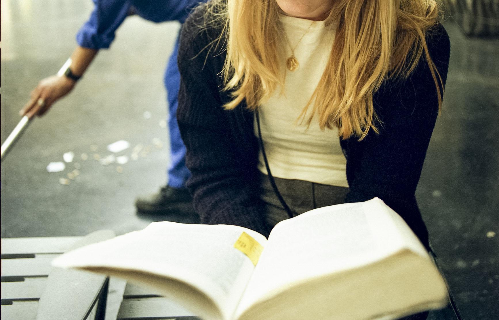 # en train de lire